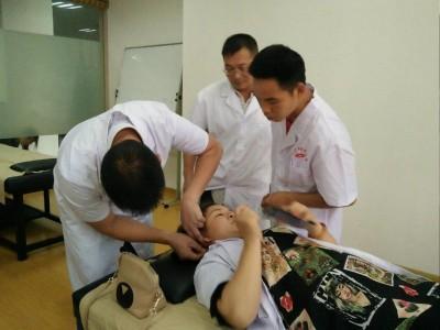 南宁哪里可以学最专业的针灸推拿技能?